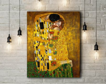 Gustav Klimt: The Kiss. Fine Art Canvas.